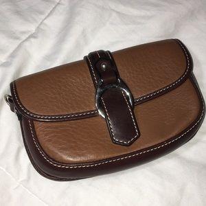 Dooney&Bourke wristlet leather brown